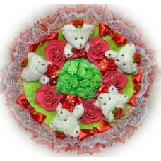 Букет из мишек с цветочками (5 мишек, красный)