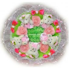 Букет из мягких игрушек с цветочками (5 мишек, розовый)